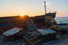 台南 / 黃金海岸 / 擱淺的貨輪 (Chester photography .) Tags: sony a7m3 sunset sea beach taiwan tainan 台灣 台南 海邊 沙灘