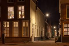 Bellinkstraat (Tom van der Heijden) Tags: middelburg nachtfotografie avond zeeland walcheren stad licht huizen lampen straat bellinkstraat canon eos eos60d canoneos60d