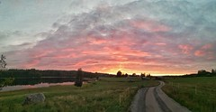 Intermission (Stefano Rugolo) Tags: stefanorugolo huaweip9lite snapseed panorama sunset sky landscape countryside hälsingland sweden android leadingline