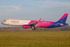 Wizz Air - Airbus A321-231/S HA-LTF @ London Luton (Shaun Grist) Tags: haltf wizz wizzair airbus a321 shaungrist ltn eggw luton lutonairport londonluton airport aircraft aviation aeroplanes airline avgeek