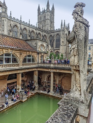 Statue of the Roman general Agricola overlooking the Roman baths in Bath, England (mharrsch) Tags: bath roman commander agricola statue sculpture thermalsprings thermae aquaesulis architecture ancient england mharrsch