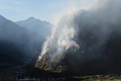 Waldbrand - Brand im Wald ( forest fires incendi di boschi feux de forêt ) ob Biasca in den Tessiner Alpen - Alps im Sopraceneri im Kanton Tessin - Ticino der Schweiz (chrchr_75) Tags: hurni christoph schweiz suisse switzerland svizzera suissa swiss chrchr chrchr75 chrigu chriguhurni chriguhurnibluemailch september 2018 albumzzz201809september waldbrand brand feuer wald forest fires incendi di boschi feux de forêt biasca tessiner alpen alps sopraceneri kanton tessin ticino