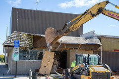 Knock it Down (Lester Public Library) Tags: tworiverswisconsin tworivers wisconsin demolition construction downtowntworivers downtown development downtowndevelopment buildings street lesterpubliclibrarytworiverswisconsin readdiscoverconnectenrich