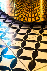 (Liane FKL) Tags: lisboa lisbonne portugal colors couleurs shop boutique magasin soap savons graphic graphique reflection reflets carrelage sol floor indoor design