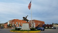 The Sheridan Monument (dankeck) Tags: statue center square roundabout trafficcircle perrycounty ohio yield philiphsheridan philsheridan sheridan horse sculpture general unitedstatesofamerica usa unitedstates monument carlheber granite intersection southeastern appalachian flag 22 664 13 usbank