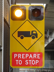 Trucks Entering/Exiting, Prepare to Stop (RS 1990) Tags: braums trucksentering warning flashers northtce adelaide southaustralia thursday 18th october 2018