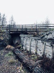 Broar (Moniqas) Tags: granbergsdal sweden bro bridge water old hytta