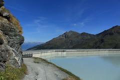 lac et barrage de la grande Dixence 2365 mètres (bulbocode909) Tags: valais suisse dixence barragegrandedixence lacdesdix barrages montagnes nature lacs chemins nuages paysages vert bleu rochers eau groupenuagesetciel