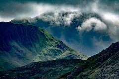 Clouds Fall (JKmedia) Tags: welsh landscape northwales snowdonia snowdonianationalpark countryside clouds sky green mountains boultonphotography 2018 sonyrx10iii dramatic scenery weather