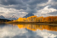 _MG_2542 - Fleeting light. (j. mercier) Tags: nature outdoors outside outdoor landscape jerrymercier mercier landscapes scenic color fall autumn season colorful beauty canon beautiful grandtetonnationalpark trees aspen aspens yellow gold golden wyoming sky skies mountmoran tetonrange tetons teton water lake river reflections reflected reflection glass mirror