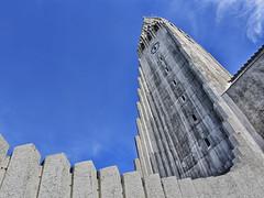 Hallgrímskirkja 2 (RobertLx) Tags: arctic nordic europe architecture church lutheran reykjavik iceland island city landmark tower sky building belltower protestant clocktower hallgrímskirkja