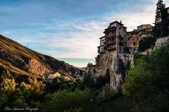 Casas Colgadas de Cuenca (franlaserna) Tags: shadows lights sunrise sun sunset nubes architecture arquitectura spain españa cuenca colgadas casas