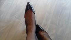 DSC_0517 (grandmacaon) Tags: highheels hautstalons toescleavage talonsaiguille lowcut lowcutshoes sexyheels stilettos