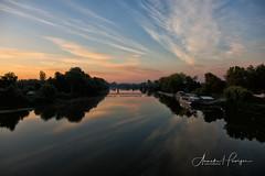 Waar Tisza en Bodrog samenkomen. (aNNajé) Tags: 2018 hongarije tokaj tisza bodrog rivier rivieren landschap water zonsopkomst schepen brug bridge river landscape