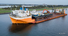 Mighty Servant 1 (Peet de Rouw) Tags: dockwise boskalis mightyservant1 heavyload ship vessel calandkanaal portofrotterdam rozenburg europoort aerial drone djimavicplatinum holland netherlands peetderouw