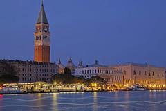 Balliamo : Let's dance (Venice, Veneto, Italy) (AndreaPucci) Tags: venice venezia sanmarco grandcanal night andreapucci boat