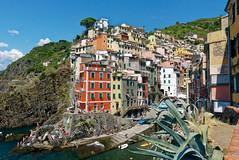 Riomaggiore (fredo f) Tags: italia italie liguria ligurie cinqueterre riomaggiore village maison port harbor mer méditerranée
