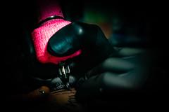 De mi portafolio de fotografía publicitaria. / para Inked House Tattoo Ibagué. (Sebastián Zerrate) Tags: tattoo tatuaje primerplano macro color pink