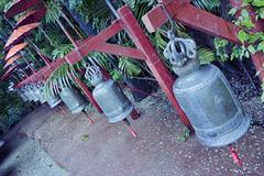 Wat Chedi Luang (Crisologo) Tags: thailand chiangmai templo buda tailandia religion templee statue watchediluang campana madera metal bronce bell travel viaje