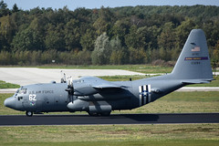 92-3284 / 6Z Lockheed C-130H Hercules - USAF Flying Vikings AFRC @ Eindhoven 20-Sep-2018 by Johan Hetebrij (Balloony Dutchman) Tags: 923284 6z lockheed c130h hercules c130 usaf flying vikings afrc 23284 united states airforce military aircraft 96as 934aw eindhoven eheh ein 2018 marketgarden