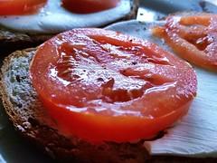 Tomato (feel_likeyoudo) Tags: tomato breakfast pomidor sniadanie photo zdjecie bread cheese sandwiches salt pepper kitchen food photofood