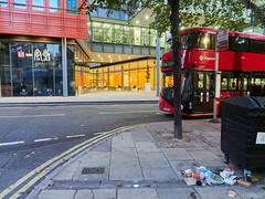 St Giles High Street. 20181019T06-20-22Z (fitzrovialitter) Tags: england gbr geo:lat=5151582000 geo:lon=012774000 geotagged holbornandcoventgardenward tottenhamcourtroad unitedkingdom peterfoster fitzrovialitter city camden westminster streets urban street environment london fitzrovia streetphotography documentary authenticstreet reportage photojournalism editorial daybyday journal diary captureone olympusem1markii mzuiko 1240mmpro microfourthirds mft m43 μ43 μft ultragpslogger geosetter exiftool rubbish litter dumping flytipping trash garbage