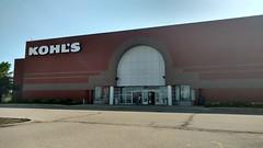 Cincinnati Mills 2018 - 35 (Doomie Grunt) Tags: dead mall shopping cincinnati mills superdead depressing empty vacant kohls