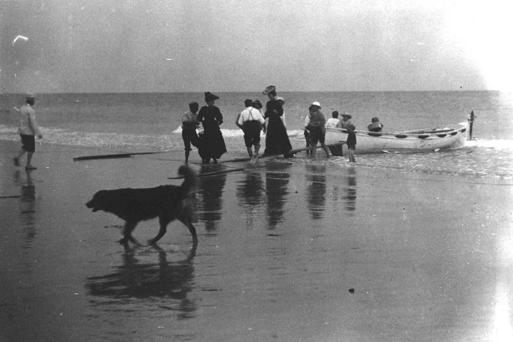 Landing at Bulwer, Moreton Island, Queensland, 1906