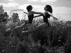 Тоави периода {1} (dewframe) Tags: bw blackandwhite blackwhite girls bodylanguage modern