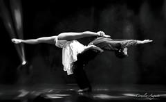 Tänzer (cornelia_auguste) Tags: corneliaauguste dynamik emotion moment menschen people personen perfect tänzer balett paar dancer swaufnahme swbearbeitung sw ballet dancers show
