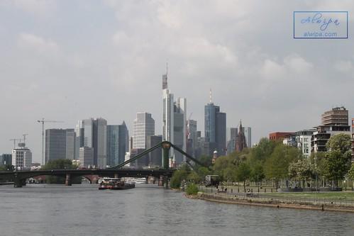 "Frankfurt • <a style=""font-size:0.8em;"" href=""http://www.flickr.com/photos/104879414@N07/44341217284/"" target=""_blank"">View on Flickr</a>"