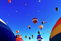 Mass Ascensión.  Albuquerque Balloon Festival. (mtm2935) Tags: colorful international festival balloons sky newmexico albuquerque hotairballoon