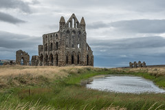 Gothic romanticism - Romantisme gothique (Giloustrat) Tags: whitby abbey uk britain yorkshire pentax k70 nuages ruins saariysqualitypictures