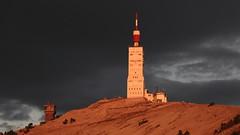 Trois couchers de soleil sur le Mont Ventoux II/III : 19h30, alors que le ciel est déjà dans la nuit, le soleil est encore là... (stephane.desire) Tags: montagne montventoux soir tour ciel paysage route lumière