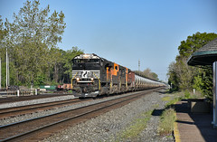 Oil on the water level route. (Machme92) Tags: ns norfolksouthern norfolk nikon nikond7200 railroad railfanning railroads railfans