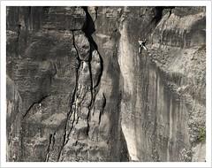 in der Wand (https://www.norbert-kaiser-foto.de/) Tags: fels wand felswand klettern kletterer bergsteiger schrammsteine sandstein sandstone torstein torsteinkette sächsischeschweiz saxonswitzerland elbsandsteingebirge elbesandstonemountains sachsen saxony natur natu hohertorstein knirpelwand