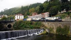 TECO en Sodupe (lagunadani) Tags: sodupe tren ferrocarril 1900 renfe feve mercancias teco locomotoras locomotora rio pueblo spain