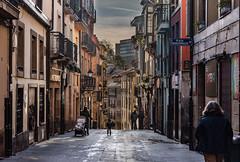 Bajando por Mon (aberu1963) Tags: nikonistasspain nikonistas nikonistasespaña blending asturias nikonistasasturias city ciudad d810 oviedo nikon