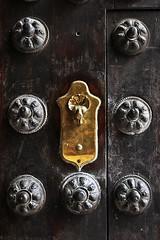 Palacio de la Condesa de Lebrija # 2 (just.Luc) Tags: door porte deur tür metal metaal spain spanje espagne españa spanien andalusië andalucía andalusien andalousie andalusia sevilla seville séville siviglia europa europe