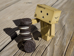 292/365 Danbo Takes the Biscuit (Helen Orozco) Tags: 292365 danbo toy 2018365 oreo cookie realfood six