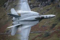 'Feel The Need' (benstaceyphotography) Tags: usn navy fa18e 166840 ab412 vfa81 sunliners raflakenheath f18 lowlevel aircraft aviation military