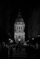 Welcome to Budapest (roomman) Tags: 2018 hungary budapest cathedral church night evening dark darkness people walk walking bw black white bandw blackandwhite
