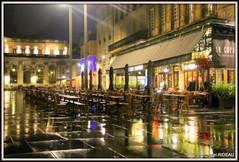 BORDEAUX (Les photos de LN) Tags: bordeaux gironde nouvelleaquitaine portdelalune café mairie pluie nuit lumière fauteuils