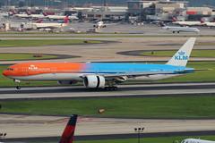 "PH-BVA - KLM Boeing 777-300ER ""Orange Pride"" (AndrewC75) Tags: aircraft airplane aviation airport jet atl airline airliner twin atlanta hartsfield jackson international renaissance concourse hotel klm b777 b77w b777300er b777300 777 77w 777300 777300er orange pride livery heavy"