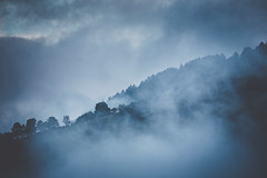Là haut sur la montagne (Mathieu Noel) Tags: valloire montagne misty brouillard fog bleu blue alpes savoie rhônealpes mountain