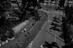 XT2J2355 (yipsinclair) Tags: hongkonginmyeyes hongkong streetphotography snap street blackwhite bw monochrome city urban fujixphotography fujifilm fujix xt2