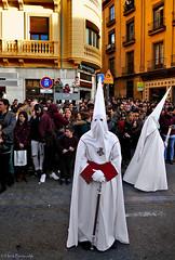 Spain: Granada, Semana Santa procession (Henk Binnendijk) Tags: granada semanasanta procession parade processie puntmutsen spain españa spanje andalucia andalucía andalusia religious easterparade