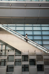 Tokyo Shimbashi Rolltreppe (Eva Soßnitza) Tags: japan tokyo streetphotography citypictures urbanscenery streetlife contemporaryphotography architecturephotographz scyscrapers urbanphotography