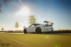 Porsche 911 GT 3 RS, rig shot. (Ogenblik fotografie) Tags: porsche 911 gt gt3 3 rs spoiler street straat rig shot rolling rigging automotive car auto sky green road sun zon sunshine tree boom