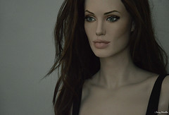 Angelina Jolie Mrs Smith life-size sculpture / mannequin (Terry Minella) Tags: doll puppe scale11 famous celebrity movie cinema photo schaufensterpuppe schaufensterfigur figur lifesize lifelike rootstein maniqui mannequin screen statue hollywood art sculpting mrandmrssmith angelinajolie model angelina